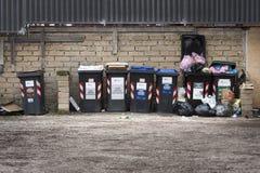 Serie śmieciarscy kosze Oddzielna kolekcja Obrazy Stock