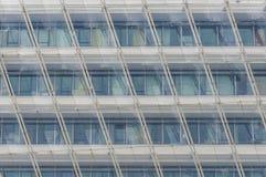 Serie av fönster i en slott Arkivbilder