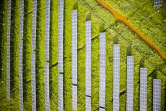 Serie av photovoltaic paneler Arkivbilder