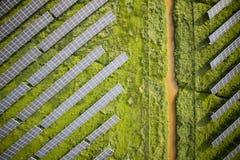Serie av photovoltaic paneler Arkivfoto