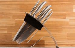 Serie de imágenes de las mercancías de la cocina. Conjunto del cuchillo Fotografía de archivo libre de regalías