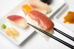 Serie del sushi - nigiri del maguro fotos de archivo