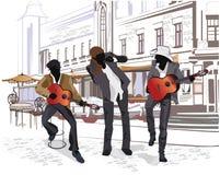 Serie di viste della via nella vecchia città con i musicisti Fotografie Stock