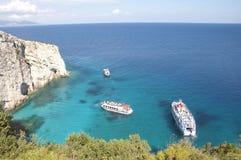 Serie di yacht in mare blu immagine stock libera da diritti