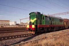 Serie - die Lokomotive mit Autos Stockbild