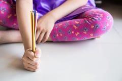 Serie dzieciak wtykają zabawy grę bawić się podnosi up Obraz Stock