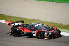 Serie Ferrari que compite con de Blancpain GT 488 GT3 en Monza Imagen de archivo libre de regalías