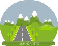 Serie fyra säsonger Berglandskap, väg i sommartid Modern plan design, designbeståndsdel Arkivfoto