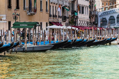 Serie gondola w kanał grande w Wenecja obrazy stock