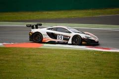 Serie McLaren 650S de Blancpain GT que compite con en Monza Imagenes de archivo