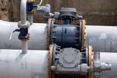 Serie pomiarowi instrumenty ciśnieniowi wymierniki i temperaturowi wskaźniki wkładający w drymby, na wysokość naciska chłodniczej obrazy royalty free
