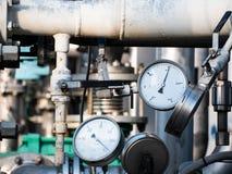 Serie pomiarowych instrumentów ciśnieniowi wymierniki i temperaturowi wskaźniki zdjęcia stock