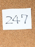 Serie wiadomość na korkują deskę, 247 Zdjęcie Stock