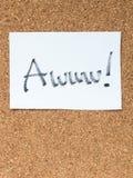 Serie wiadomość na korkują deskę, awww Fotografia Stock