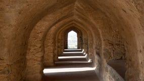 Serien av dörröppningar kallade Mehrab på Rani Rupmati Palace-Mandu, Indien Arkivfoto