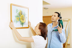 Serious couple choosing place for picture with sun Royalty Free Stock Photo