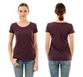 Serious woman with blank dark purple shirt Royalty Free Stock Photos