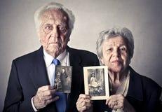 Seriuos老男人和妇女 免版税库存图片