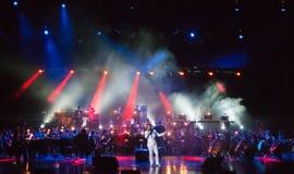 Serj Tankian met symphonic orkest Globalis Stock Fotografie