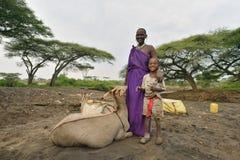 Seronera Tanzania, Februari 12, 2016: Maasai arbetsdags Arkivbild