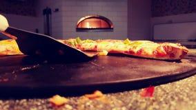 Serowej pizzy plasterki obrazy royalty free