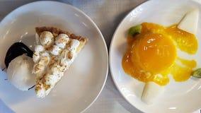 Serowy flan i cytryny tarta obrazy stock