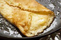 Serowy omletu kucharstwo Zdjęcia Stock