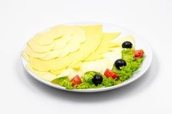 Serowy talerz, warzywa i zdrowotny jedzenie, fotografia royalty free