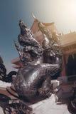 Serpent thaïlandais de gardien d'art décoré en Wat Pa Phu Kon, Thaïlande Images libres de droits