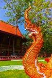 Serpente di fiaba nell'arte tailandese tradizionale Fotografia Stock