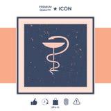 Serpente e copo médicos do símbolo da farmácia Fotografia de Stock