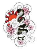 Serpentez avec la fleur et le vecteur japonais de conception de tatouage de nuage Images libres de droits