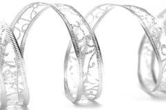 Serpentina de prata da fita imagens de stock royalty free