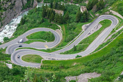 Serpentine στις Άλπεις. Ελβετία στοκ εικόνες