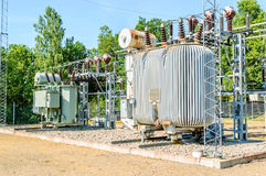 Serpentine di raffreddamento nella centrale elettrica elettrica immagini stock libere da diritti