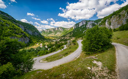 Serpentine mountain road Royalty Free Stock Photos
