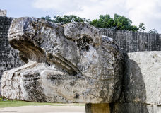 Serpentinenskulptur ruiniert Chichen-Itza Mexiko Lizenzfreies Stockbild