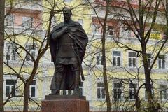 SERPUKHOV 03 05 2015 - Svyatoslav prinsmonumentet i Serpu Royaltyfri Fotografi