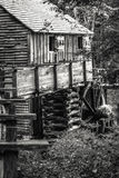 Serração velha nas montanhas Fotografia de Stock Royalty Free