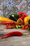 Serra colorido encarnado mexicano do poblano da paprika da mistura das pimentas de pimentão Foto de Stock Royalty Free