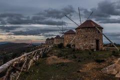 Serra da Atalhada väderkvarnar, Penacova, Portugal Royaltyfria Bilder