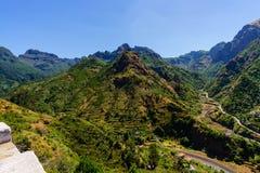 Serra De Agua Góra krajobraz z małą wioską Madery wyspa, Portugalia jeden zdjęcie stock