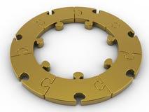 Serra de vaivém circular dourada, enigma circular no fundo branco com trajeto de grampeamento Imagem de Stock Royalty Free