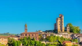 Serralunga D `-album rockerar, Piedmont Italien Arkivfoton