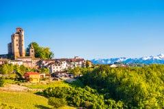 Serralunga D `-album rockerar, Piedmont Italien royaltyfria foton