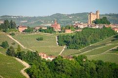 Serralungad'alba, Langhe, Italië stock foto's