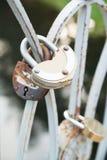 Serratura arrugginita del metallo di vecchio stato Fotografia Stock