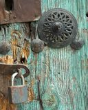 Serratura di portello dell'annata immagini stock libere da diritti