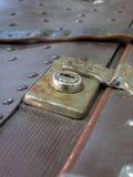 Serratura di vecchia valigia Immagine Stock