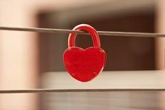 Serratura rossa di amore Fotografia Stock Libera da Diritti